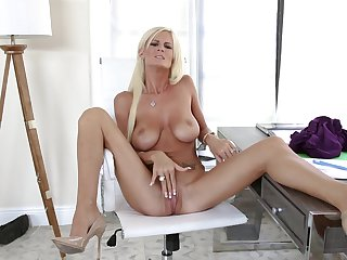 Top cougar plays with her soaked pussy in marvelous scenes