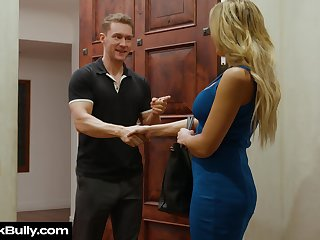 Whore fit together Sophia Deluxe sucks boss's cock be proper of husband's promotion