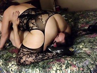 Filming my girl in a B & B - cuckold