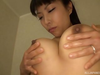 Erotic pussy pleasuring anent the shower for handsome Sankihon Nozomi