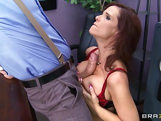 Abstruse pornstar Syren De Mer fucked in all about respects holes by a huge cock