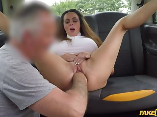 Fake taxi-cub back seat anal shag be advisable for this top woman