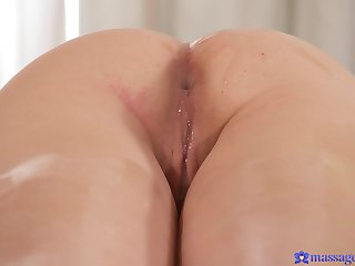 Oiled model Francesca DiCaprio gets a massage in the air happy ending