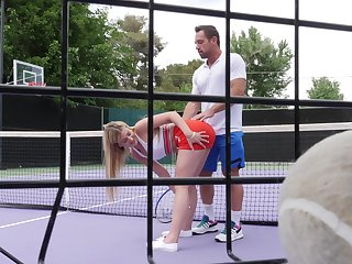 Outdoor sexual fun after a pointed tennis game
