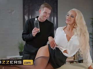 Kont, Grote kont, Grote penis, Dikke tieten, Blond, massage, MILF, kousen